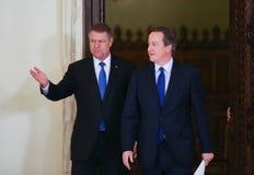 David Cameron и Klaus Johannis стоковые фотографии rf