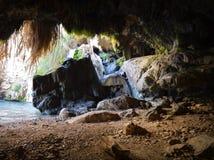 David Cave nas rochas de Ein Gedi perto do Mar Morto Fotografia de Stock