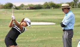 David Leadbetter y Lydia Ko en la inspiración de la ANECDOTARIO golf el torneo 2015 foto de archivo