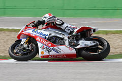 Davide Giugliano #34 στο εργοστάσιο Aprilia RSV4 1000 με τη Althea που συναγωνίζεται την ομάδα Superbike WSBK Στοκ Φωτογραφία