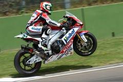 Davide Giugliano #34 sulla fabbrica 1000 di Aprilia RSV4 con Althea Racing Team Superbike WSBK Immagini Stock Libere da Diritti