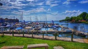 Davidson Marina auf See-Normannen in Davidson, NC an einem schönen Sommer-Tag lizenzfreie stockfotografie