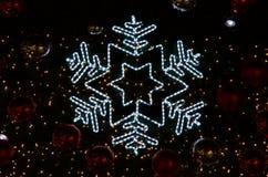 Davidsstern am Weihnachtsbaum Stockfoto