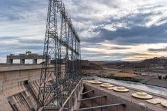 Davis Dam, der Einheiten erzeugt lizenzfreie stockfotografie