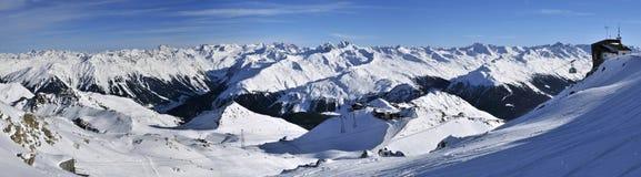 Davos skidar semesterorten Arkivbild
