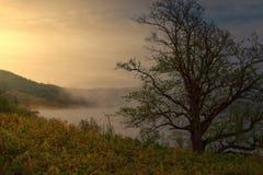 Dawn σε μια λίμνη βουνών Στοκ Εικόνες