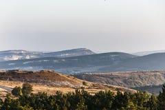 Dawn στην περιοχή βουνών Στοκ φωτογραφία με δικαίωμα ελεύθερης χρήσης