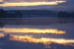 Dawn στη λίμνη, Ρωσία Στοκ Φωτογραφίες