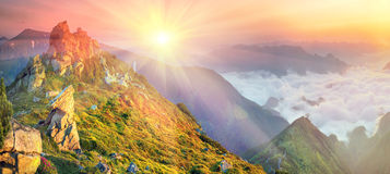 Dawn above the sea of fog Royalty Free Stock Photo