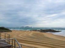 Dawn Activities, plage de Cavaleiros, Macae, RJ, Brésil image stock