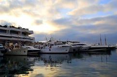 Dawn bij de haven Stock Fotografie