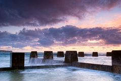 Dawn bij het Strand van Coogee - van Sydney Stock Afbeelding