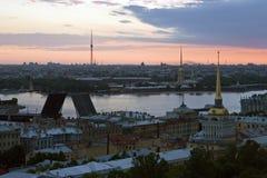 Dawn boven heilige-Petersburg royalty-vrije stock foto