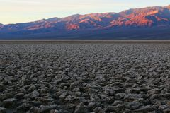 Dawn breaks on the Panamint Mountains, Death Valley Stock Photo