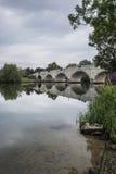 Dawn de Brug van landschapschertsey over Rivier Theems in Londen Stock Foto's