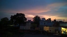 Dawn in een kleine stad Stock Afbeelding