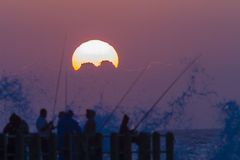 Dawn Fishing Sunrise Silhouettes Arkivbild