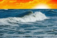 Dawn op de oceaan Royalty-vrije Stock Foto's