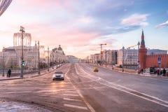 Dawn op de Rode Vierkant en Brug van Bolshoy Moskvoretsky royalty-vrije stock afbeeldingen