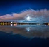 Dawn op het meer, het meer van de harmonienacht Stock Afbeeldingen