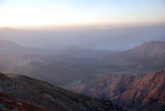 Dawn over de bergen van Oezbekistan Royalty-vrije Stock Foto