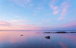 dawn plażowy znaleźć odzwierciedlenie niebieski jasnego nieba wody Zdjęcia Royalty Free