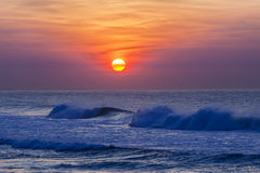 Dawn Sunrise Waves Colors imagens de stock royalty free