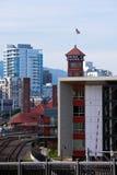 Dawn Town Portland con la stazione ferroviaria della torre e il hig moderno eccellente Immagini Stock Libere da Diritti