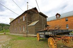 DAWSON-STAD, YUKON, CANADA, 24 JUNI 2014: Historisch die O ` Brien Brewing en Moutenbedrijf, ook als Klondike wordt bekend Stock Afbeeldingen