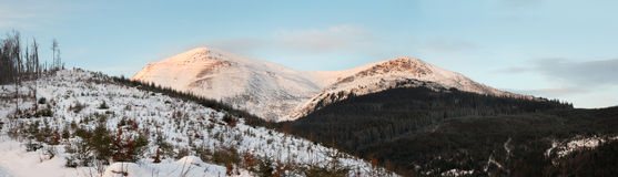 Free Daybreak Mountain Landscape Royalty Free Stock Photos - 4097058