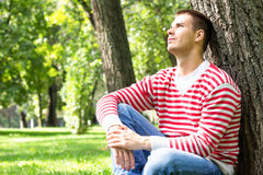 Daydreaming человек стоковое фото