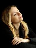 Daydreaming con gli occhi chiusi Fotografie Stock