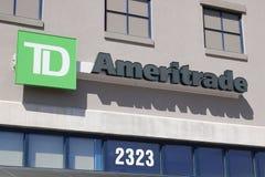 Dayton - Circa April 2018: Ameritrade lokaal bijkantoor TD Ameritrade in een online makelaar van voorraden en investeringen I royalty-vrije stock afbeeldingen