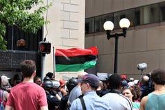 Dayton, OH/Estados Unidos - 25 de maio de 2019: 600 protestors reagrupam contra membros relatados 9 de um KKK imagem de stock royalty free
