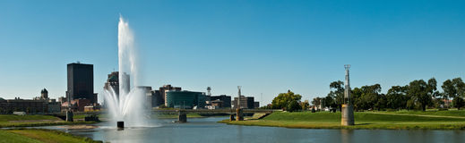 Dayton Riverscape Pano Foto de Stock Royalty Free