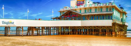 DAYTONA海滩, FL - 2016年2月17日:在b的Daytona海滩码头 库存照片
