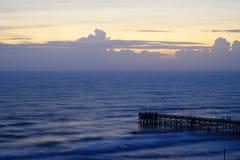 Daytona Beach våg och pir Royaltyfri Fotografi