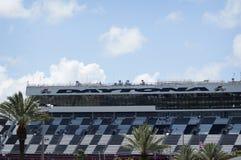 Daytona 500 löparbana på en solig dag i sommaren Arkivbild