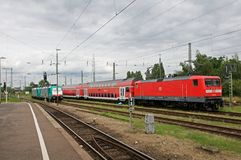 DB 112 159 di Locomotiv nella stazione di Krefeld Fotografia Stock Libera da Diritti