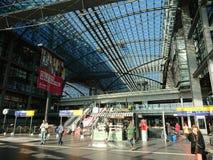 DB Deutsche Bahn Hauptbahnhof de Berlim imagem de stock royalty free