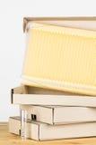 Déballage des cadres de ruche d'écoulement Images libres de droits