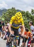 Débardeur jaune sur Alpe d'Huez Images libres de droits