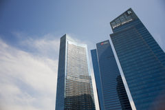 DBS und Standard Chartered, die bei Marina Bay Financial Center errichten Lizenzfreies Stockbild