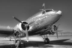 DC-3 en blanco y negro fotografía de archivo