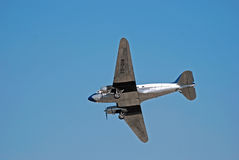 DC 3 Propeller Aircraft Aerobatic Display Royalty Free Stock Photos