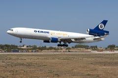 DC-10 de cargaison à l'approche Photo stock
