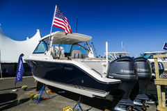 DC 325 Pursuit boat with Yamaha engines Stock Photography