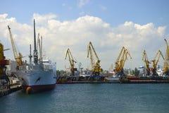 Déchargement du bateau Images stock