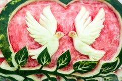 Découpage de la pastèque Photographie stock libre de droits