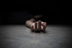 Död kvinnas kropp Fokus förestående Royaltyfri Foto